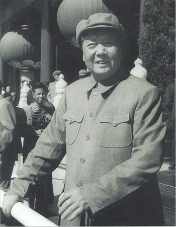 毛泽东在天安门城楼。