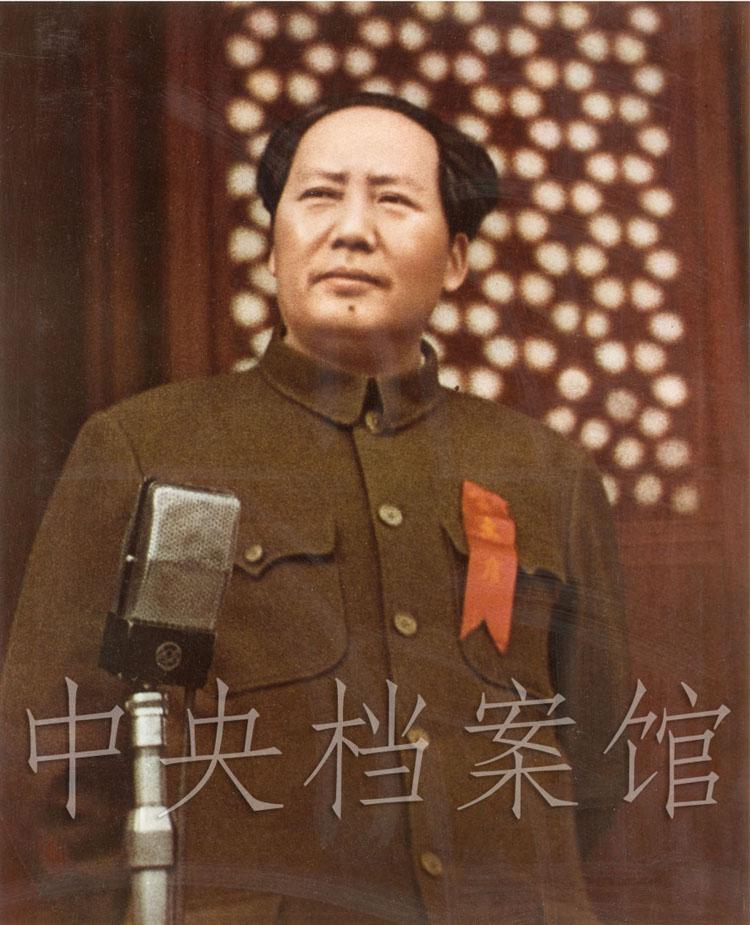 1949年10月1日,毛泽东在开国大典上
