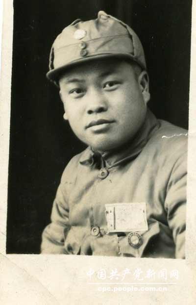 """赖传珠:率军""""集体强渡""""解放海南岛 要求子女不做""""三门""""干部"""