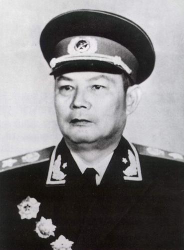 叶剑英(1897-1986)