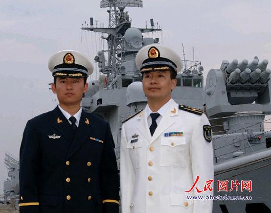 海军春秋常服-O七 式军服 7图片