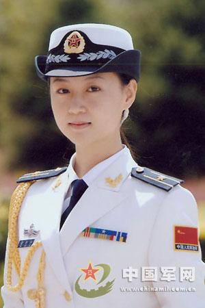 海军女军官礼服-O七 式军服 4图片