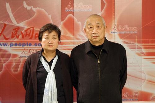 组图:陈赓傅涯子女陈知建、陈知进回忆父亲母
